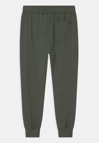 Abercrombie & Fitch - LIGHTWEIGHT - Pantalones deportivos - olive - 1