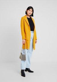 Mavi - LONG SLEEVE - Classic coat - mango mojito - 1