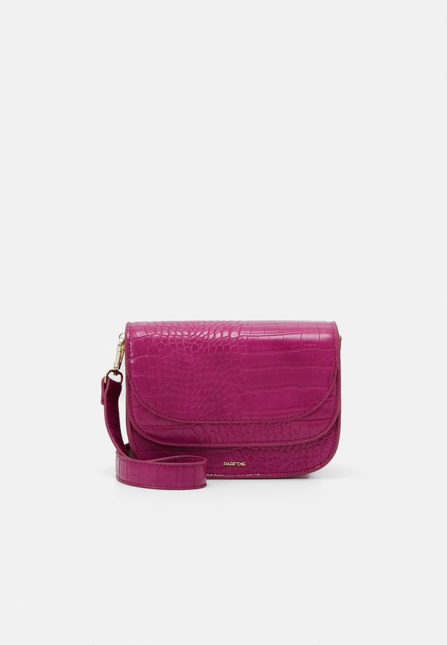 CROSSBODY BAG MIND - Schoudertas - fuchsia