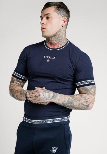 ELEMENT STRAIGHT HEM GYM TEE - T-shirt con stampa - navy/white