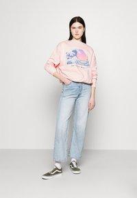 Even&Odd - Wave Printed Oversized Sweatshirt - Bluza - pink - 1