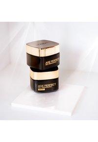 L'Oréal Paris Skin - AGE PERFECT ZELL-RENAISSANCE TAG UND NACHT GESICHTSPFLEGE-SET - Skincare set - - - 1