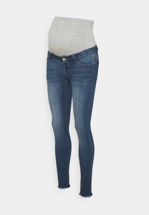 PCMDELLA 7/8 RAW EDGE JEANS - Jeans Skinny Fit - medium blue denim