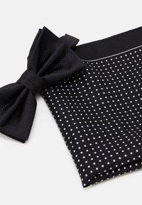 Pier One - SET - Mouchoir de poche - black - 5
