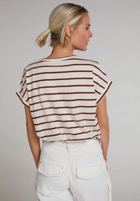 Oui - T-SHIRT IN LEGÉREN SCHNITT - Print T-shirt - offwhite brown - 2