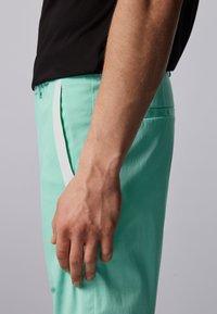 BOSS - LIEM - Shorts - open green - 3