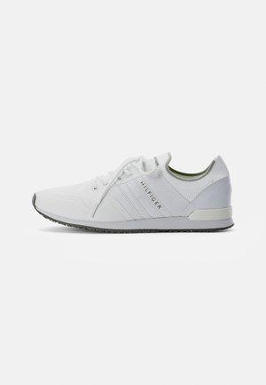 ICONIC SOCK RUNNER - Trainers - white