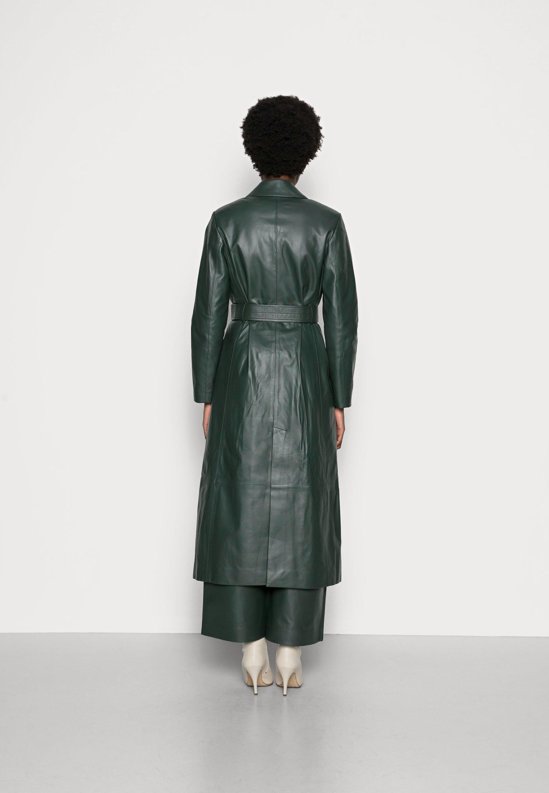 Donna LIONNE - Cappotto classico