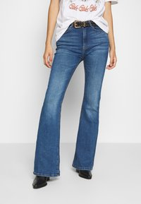 ONLY - ONLPAOLA LIFE RETRO  - Flared jeans - dark blue denim - 0