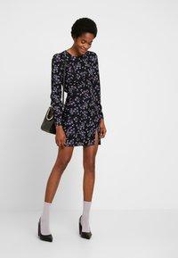 Fashion Union - MALIAN - Denní šaty - purple - 2