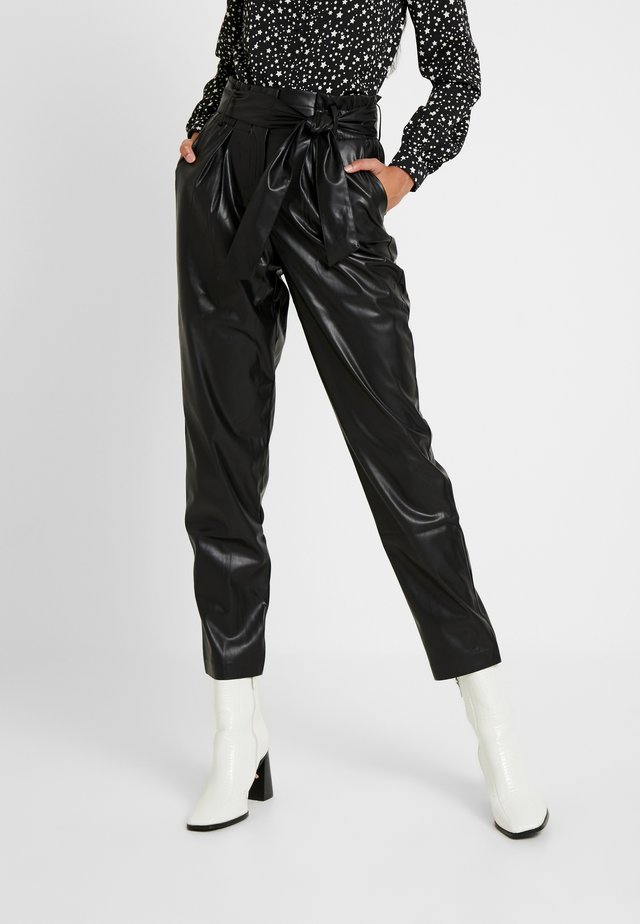 ONLGAIA VIOLA PABERBAG - Pantaloni - black
