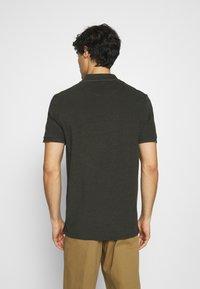 Lyle & Scott - OXFORD  - Polo shirt - trek green/ jet black - 2