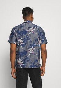 Jack & Jones - JORFLORAL SHIRT - Shirt - navy peony - 2