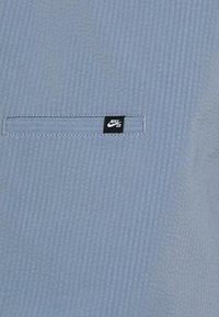 Nike SB - CHINO UNISEX - Shorts - ashen slate - 5