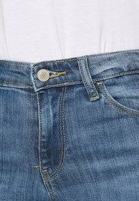Guess - SEXY BOOT - Flared Jeans - blue denim - 5