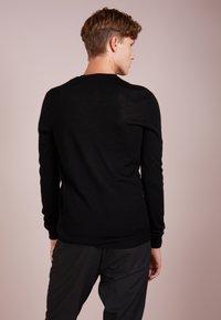 Bruuns Bazaar - CHARLES - Maglione - black - 2