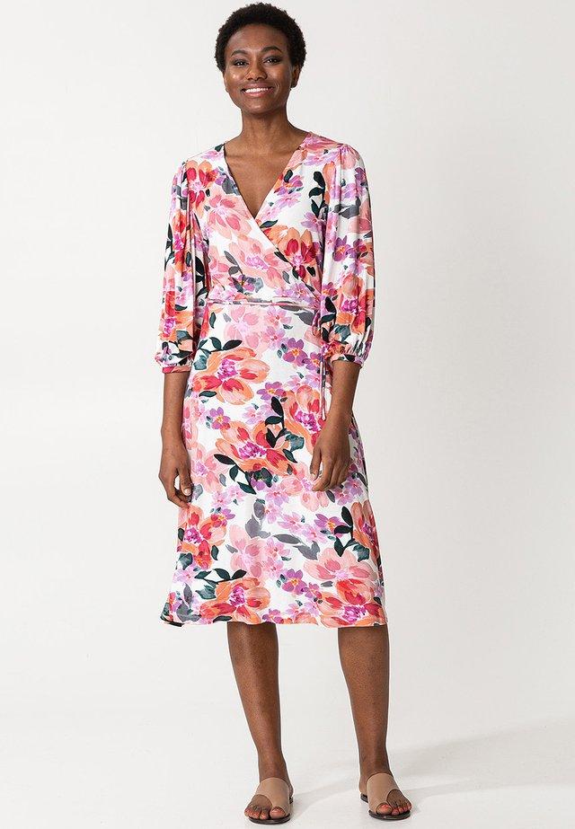 SENJA  - Denní šaty - pink