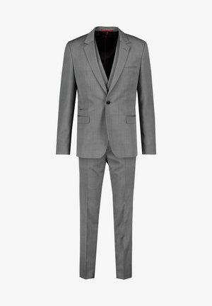 Suit - grau (231)