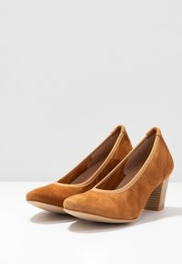 PERLATO - Classic heels - camel - 4