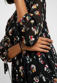 Madewell - TIERED BUTTON FRONT MIDI DRESS - Day dress - pom pom floral true black - 7