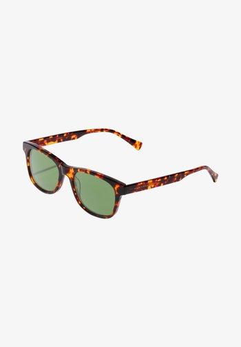 N35 - Solglasögon - brown