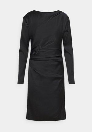 IZLA - Robe fourreau - black
