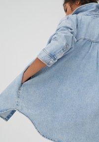 PULL&BEAR - Button-down blouse - blue - 3