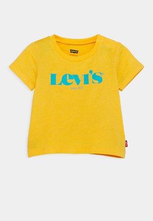 MODERN VINTAGE TEE - T-shirt print - kumquat yellow