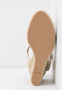 Refresh - High heels - beige - 6