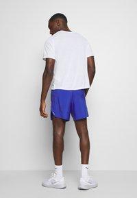 Nike Performance - FLEX STRIDE SHORT - Pantalón corto de deporte - astronomy blue/silver - 2