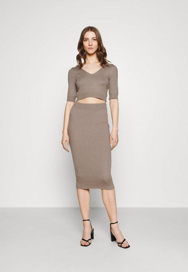 STRICK KNITWEAR SET - Pencil skirt - taupe