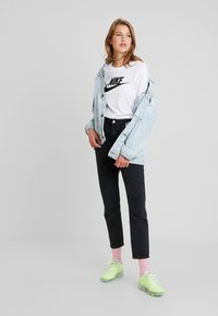 Nike Sportswear - TEE ICON - Long sleeved top - white/black - 1