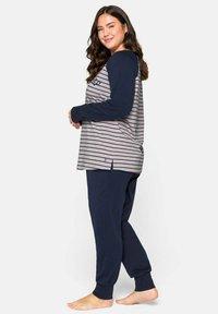 Sheego - Pyjama set - marine gestreift - 3