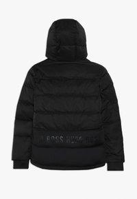 BOSS Kidswear - Chaqueta de plumas - schwarz - 1