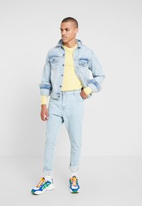 Brave Soul - JAMIE - Relaxed fit jeans - light blue denim - 1