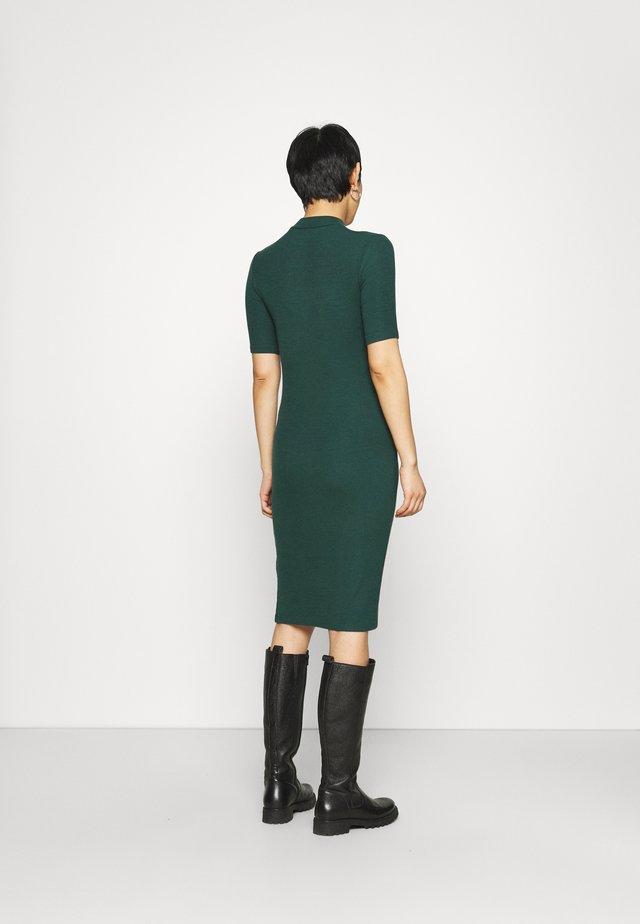 KROWN TSHIRT DRESS - Robe pull - bottle green
