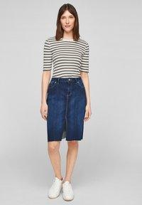 s.Oliver - Print T-shirt - khaki stripes - 1