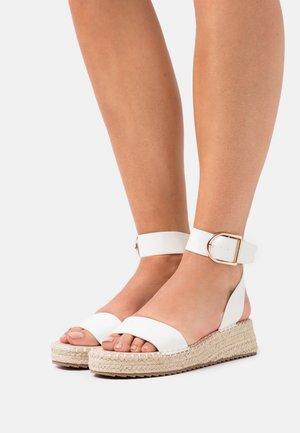 ALICE - Platform sandals - white
