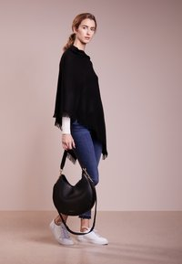 Repeat - Cape - black - 1