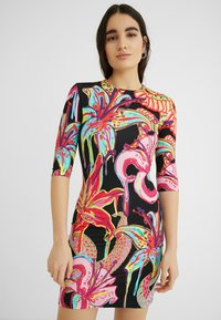 Desigual - DESIGNED BY MARIA ESCOTÉ: - Vestido de punto - multi-coloured - 0