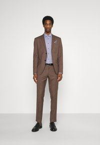 Isaac Dewhirst - PLAIN SUIT - Kostym - brown - 1