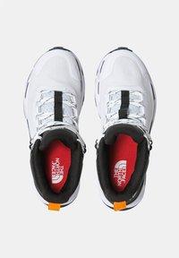 The North Face - EXPLORIS MID FUTURELIGHT - Hiking shoes - tnf white/tnf black - 2