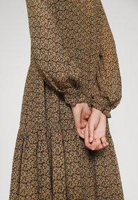 Second Female - PRADOTO DRESS - Denní šaty - bistre - 4
