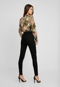 Vero Moda - VMSANDRA - Jeans Skinny Fit - black - 2