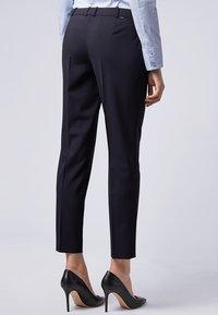 BOSS - TILUNA - Pantalon classique - marine - 1