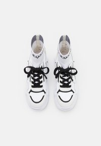 Versace Jeans Couture - SPEEDTRACK - High-top trainers - bianco ottico - 3