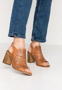 Carmela - High heeled sandals - camel - 0