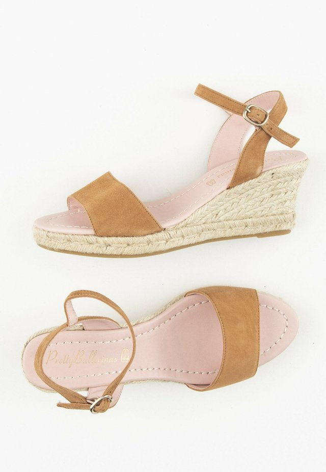 Sandalen met sleehak - brown