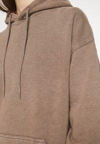 BDG Urban Outfitters - SKATE HOODIE - Hoodie - chocolate - 4