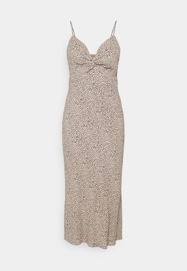 WIDE STRAP SLIP MIDI DRESS - Korte jurk - brown